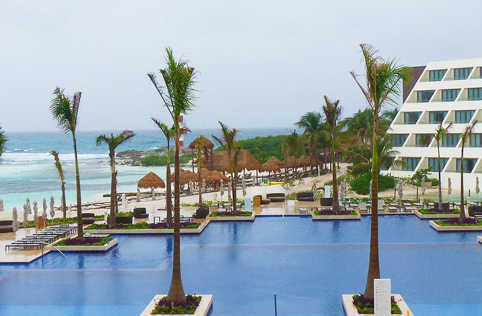 Inside look the hyatt ziva cancun all inclusive resort for Truly all inclusive resorts